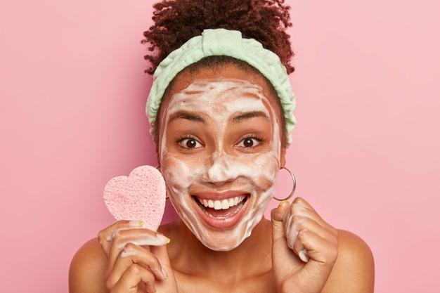 Dưỡng da và rửa mặt đúng cách - Mẹo trị mụn trứng cá hiệu quả