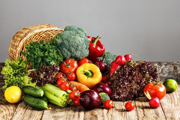 Kết hợp với chế độ ăn uống và vệ chăm sóc da khoa học