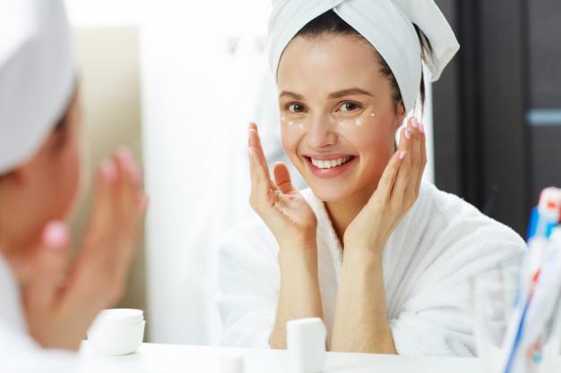 Các bước skincare để trị mụn đầu đen ở mũi hiệu quả tại nhà