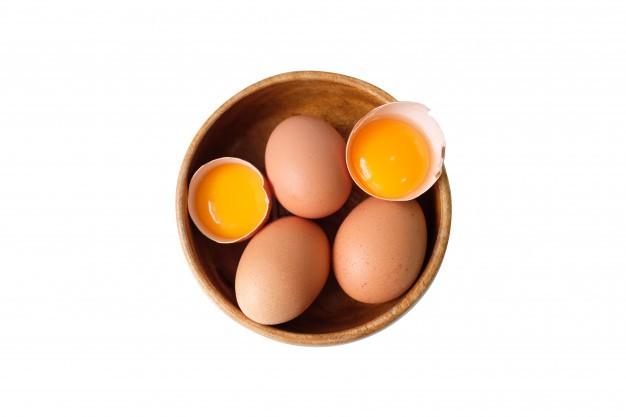 Mặt nạ trị mụn ẩn dưới da bằng trứng gà và cám gạo