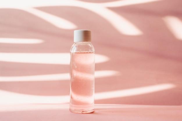 Cách trị mụn đầu đen bằng sữa ong chúa + dầu thực vật + nước hoa hồng