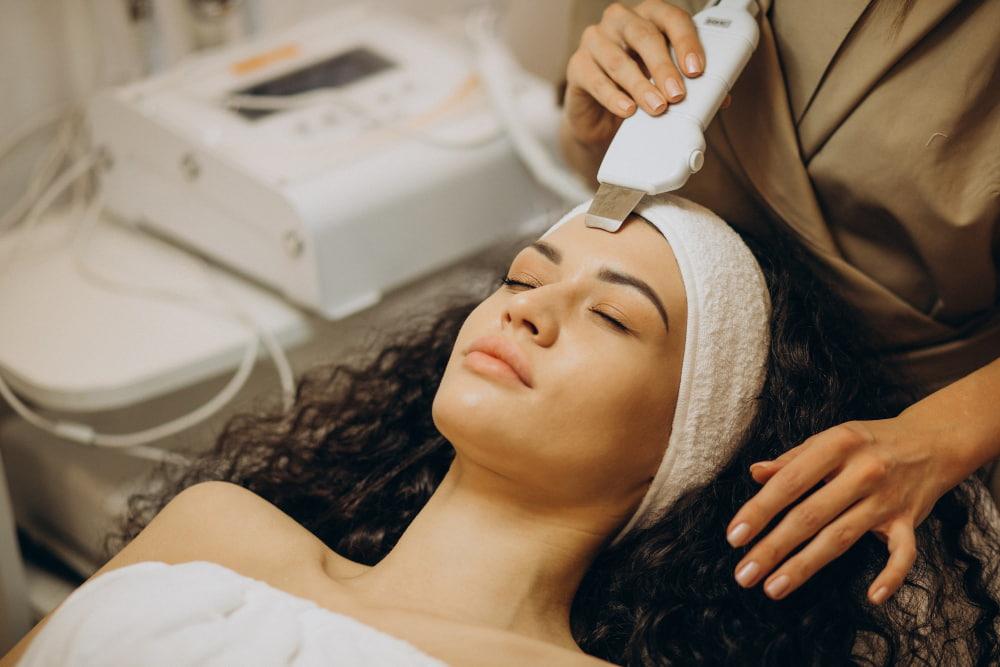 Chăm sóc da sau khi nặn mụn ẩn và đẩy mụn ẩn