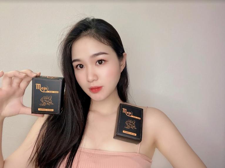 Hotgirl Linh Trang sử dụng về xà phòng nghệ Mejn