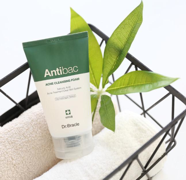 Review sữa rửa mặt Antibac Acne Cleansing Foam