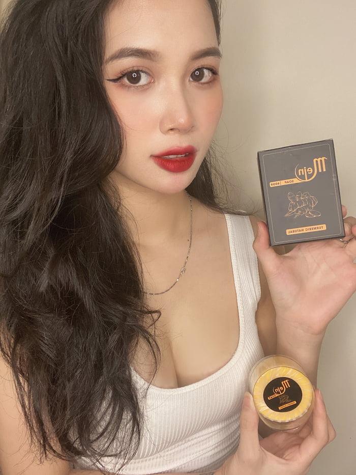 Hotgirl Vân Anh sử dụng về xà phòng nghệ Mein